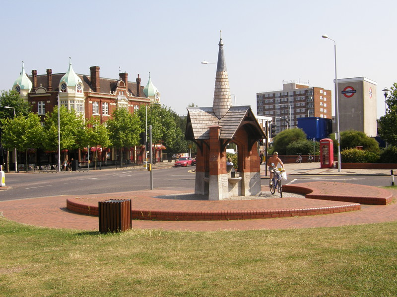 The drinking fountain on George Green