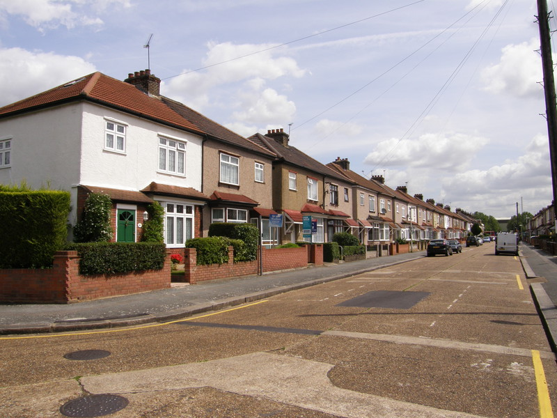 The suburbs along Reede Road