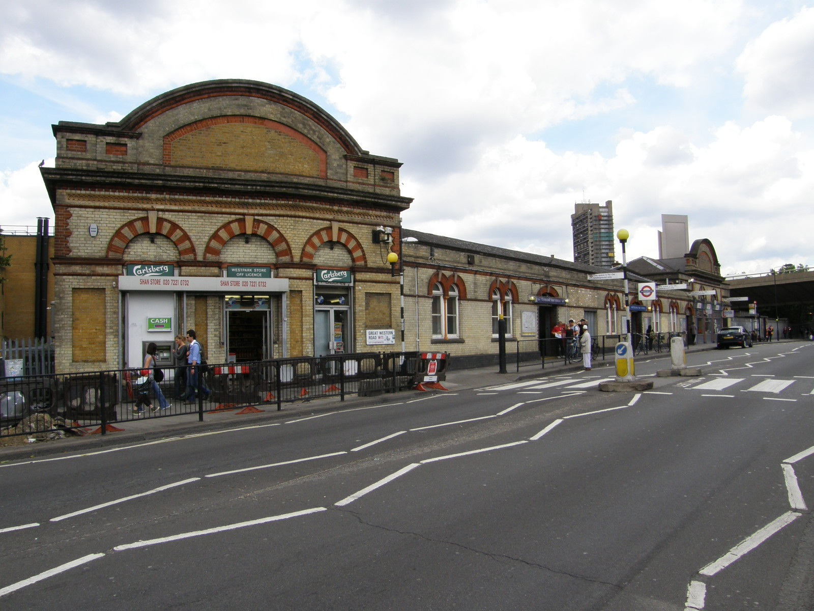 Westbourne Park Station A Picture From Hammersmith To