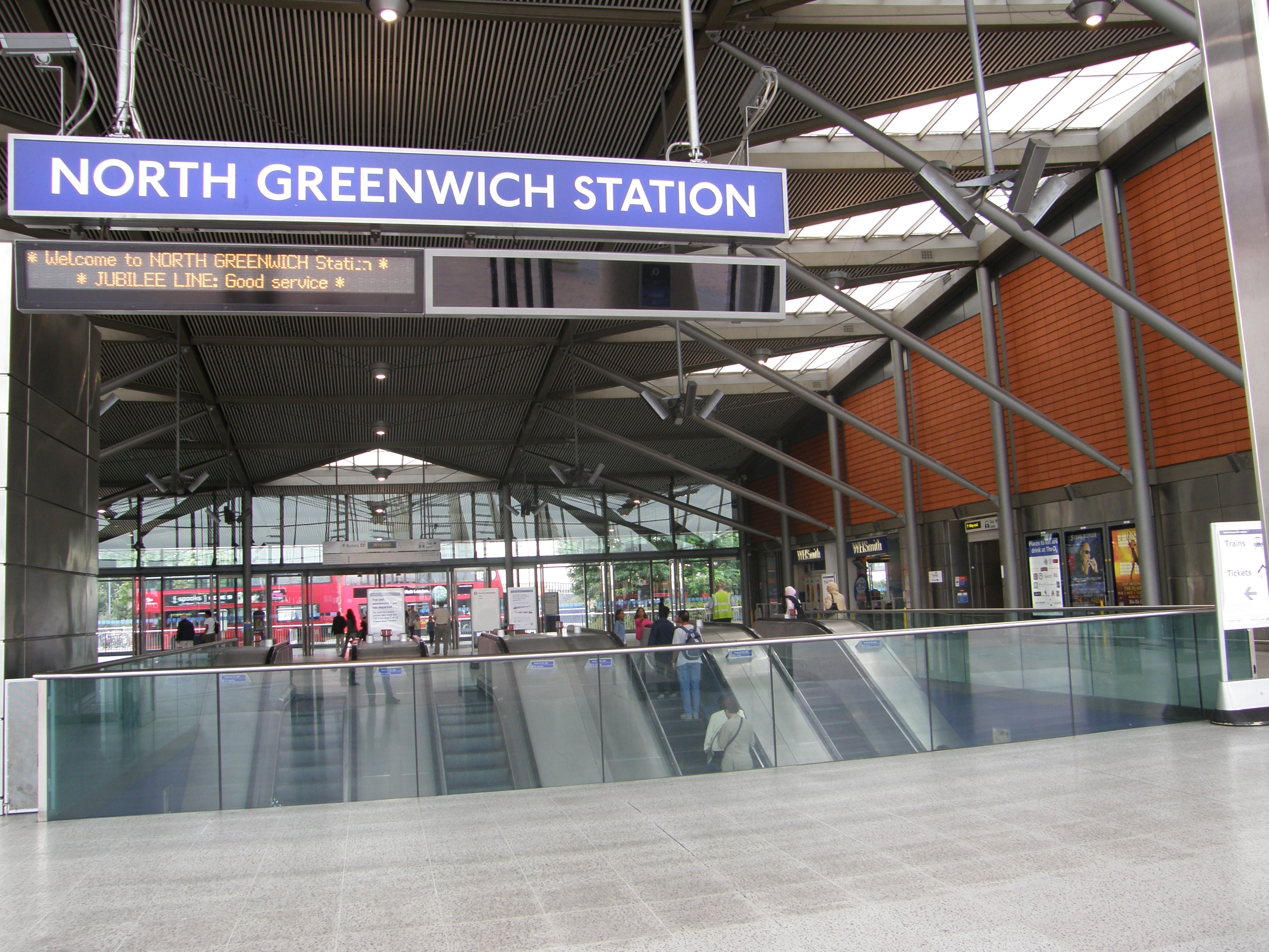 north greenwich station a picture from north greenwich. Black Bedroom Furniture Sets. Home Design Ideas