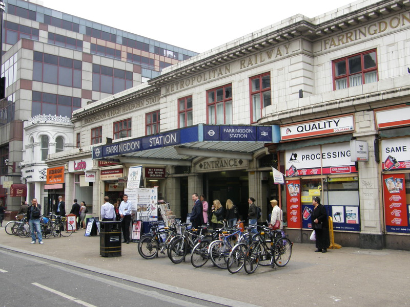 Farringdon station