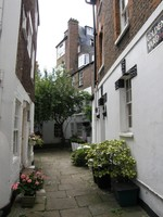 A pretty mews in Hampstead