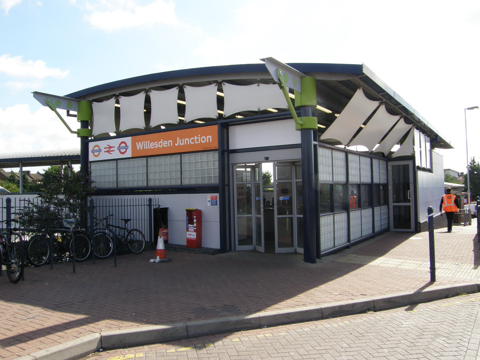 Willesden Junction station