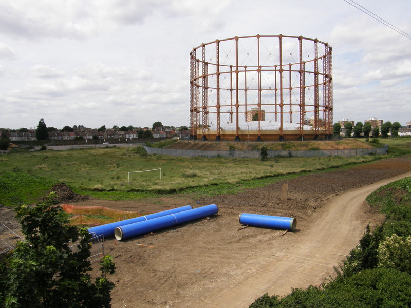 A gas tower next to the North Circular Road