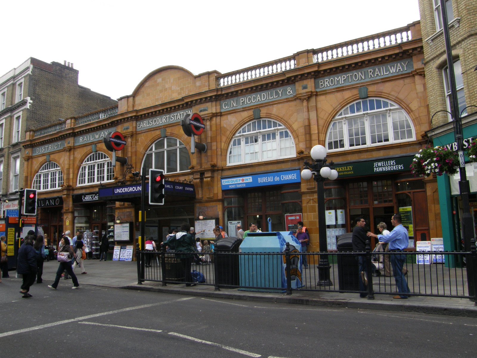 Earl's Court station