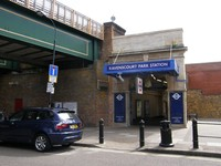Ravenscourt Park station