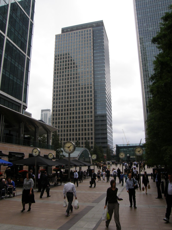 The square outside Canary Wharf station, as seen from the north