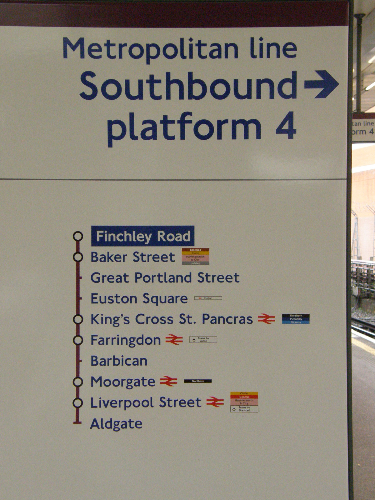 A map showing the Metropolitan line from Aldgate to Finchley Road
