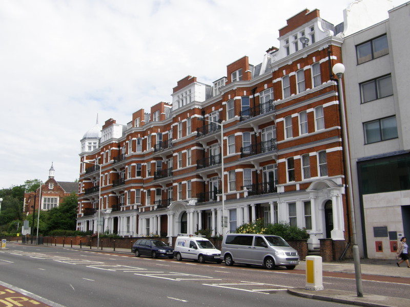 A Finchley Road mansion block