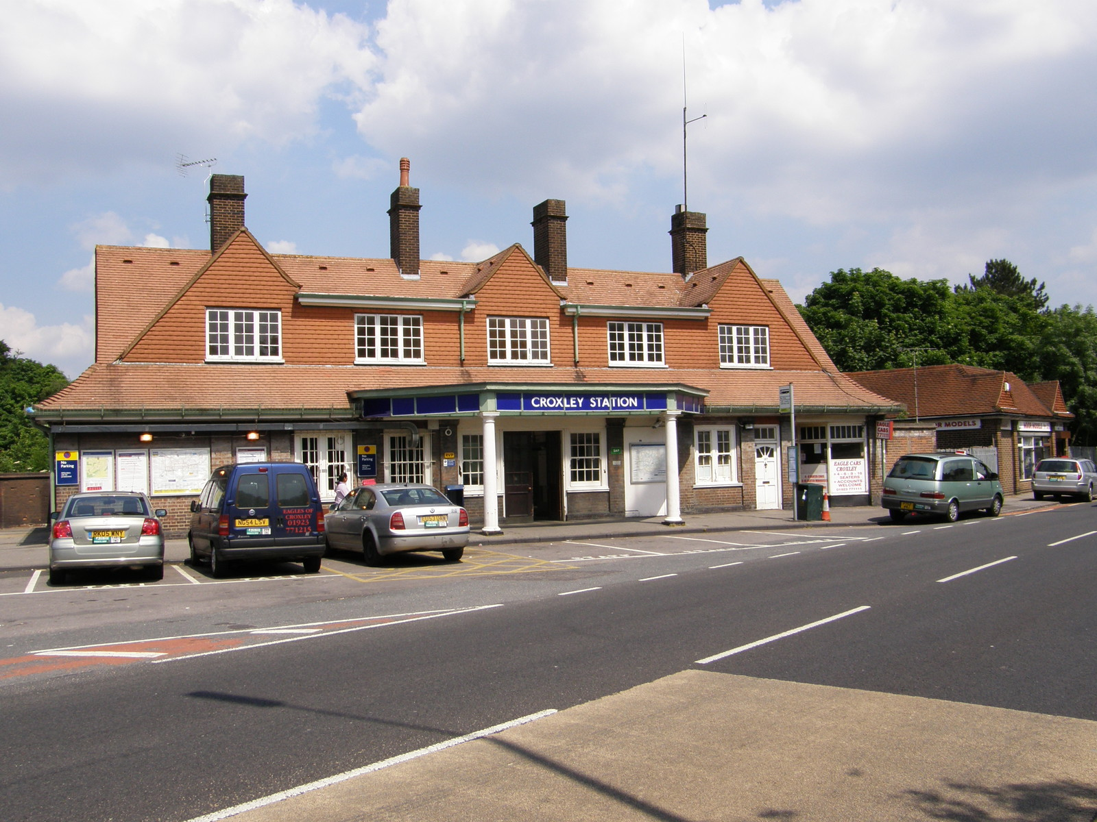 Croxley station