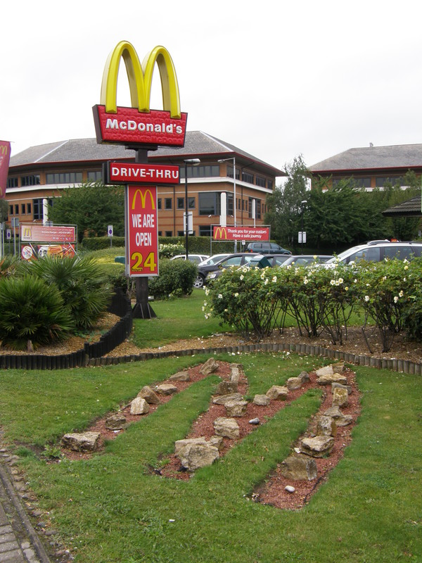 McDonald's restaurant on the A4
